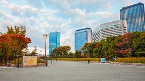 大阪城堡庭院在秋天 图库摄影