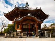 大阪,日本- 2017年7月02日:美丽的老历史寺庙在大阪 图库摄影