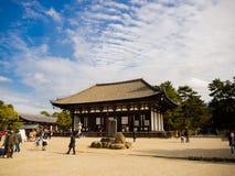 大阪,日本- 2017年7月02日:美丽的老历史寺庙在大阪 库存照片