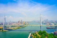 大阪,日本- 2017年7月18日:大阪区城市的美丽的景色在大阪,日本在一美好的天 免版税图库摄影