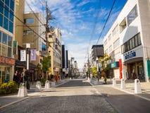 大阪,日本- 2017年7月02日:走近市的dowtown的未认出的人民大阪 免版税图库摄影
