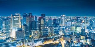 大阪从梅田天空大厦的夜视图在贵田病区,大阪,日本 免版税库存照片