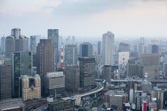 大阪从梅田天空大厦的市地平线 库存图片