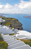 大阳台有在santorini,希腊的一个看法 库存照片