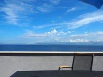 大阳台椅子在度假2 免版税图库摄影