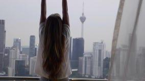 大阳台的妇女 股票录像