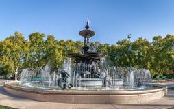 大陆Fuente de在圣马丁将军公园的los Continentes - Mendoza,阿根廷的喷泉 免版税库存照片