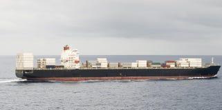 大集装箱船船和天际 免版税库存照片