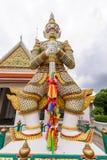 大雕象在黎明寺Ratchawararam Ratchawaramahawihan在Thailnd 免版税库存照片