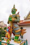 大雕象在黎明寺Ratchawararam Ratchawaramahawihan在Thailnd 免版税图库摄影
