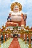 大雕象寺庙的Wat Plai Laem大菩萨 免版税库存照片