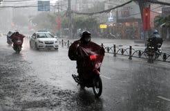 大雨,雨季在胡志明市 免版税库存图片