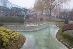 大雪的迪斯尼乐园巴黎 免版税库存照片