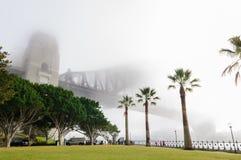 大雾在悉尼港口的早晨 图库摄影