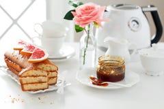大面包蛋糕 免版税库存照片