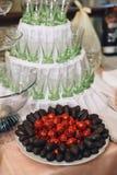 大餐桌为婚姻,公司的晚餐或者的别的设置了 免版税库存图片
