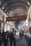 大马士革,叙利亚- 2012年11月16日:在AlHamidiyah Souq的普通的天在老城大马士革 义卖市场是最大的souk  免版税库存图片