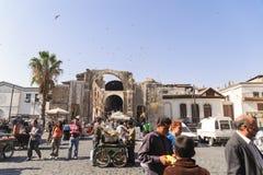 大马士革,叙利亚- 2012年11月16日:在AlHamidiyah Souq的普通的天在老城大马士革 义卖市场是最大的souk  库存照片
