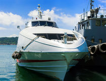 大马达游艇在海滨广场停泊了 图库摄影