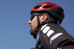 大骑自行车的人山 免版税库存照片