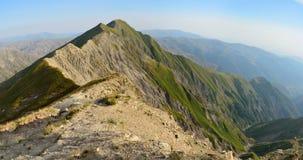 大高加索山脉山的看法从山巴巴达格tra的 免版税库存照片