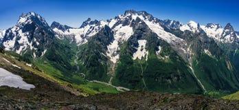 大高加索山脉 库存图片