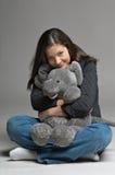 大鼠标玩具妇女年轻人 免版税图库摄影