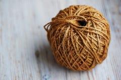 大:自然棕色绳索卷  免版税图库摄影
