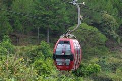 大叻在罗宾小山,越南的缆车方式 免版税库存图片