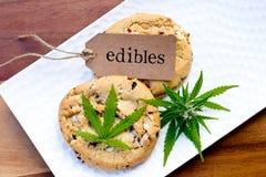 大麻-大麻-医药Edibles -曲奇饼 库存图片