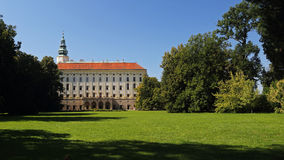 大主教城堡在Kromeriz,捷克共和国 免版税图库摄影