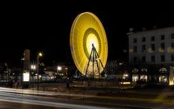 大黄色和橙色轮子飞溅作用 库存照片