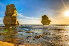 大洋路:在日落的吉布森步 图库摄影