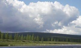 大kureika多数全景高原强大的putorana俄国西伯利亚瀑布 库存图片