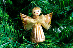 天使圣诞节做秸杆结构树 库存照片