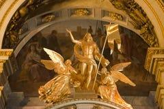 天使在以撒大教堂,圣彼得堡 库存照片