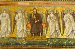天使基督包围 免版税库存照片