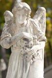 天使墓地纪念碑 免版税库存照片