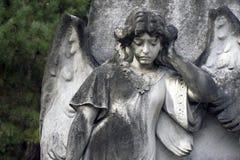 天使特写镜头墓石 库存照片