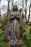 天使的雕象 免版税库存照片