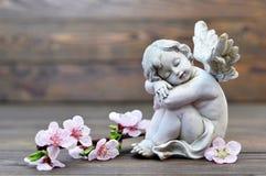 天使监护人睡觉 免版税库存照片