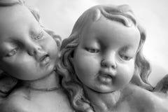 天使被雕刻的石头 免版税库存照片