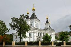 天使迈克尔寺庙在诊所的1897在维尔京` s领域 莫斯科 免版税图库摄影