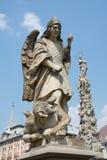 天使迈克尔石雕象  库存照片