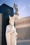 天使雕象在新奥尔良公墓 图库摄影