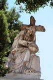天使雕象在科普特人的公墓的在老开罗 库存图片