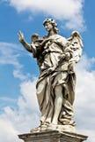 天使雕象在罗马,意大利 库存照片