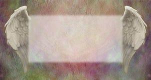 天使飞过在色的羊皮纸的横幅 向量例证