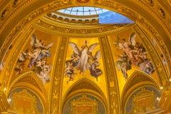天使马赛克大教堂圣徒斯蒂芬斯大教堂布达佩斯匈牙利 库存图片