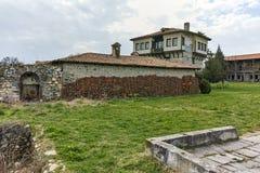 天使Voivode和庭院塔在圣徒Nedelya,保加利亚Arapovo修道院里  图库摄影